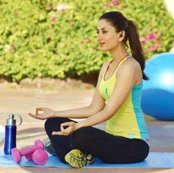 kareena-kapoor-khan-yoga